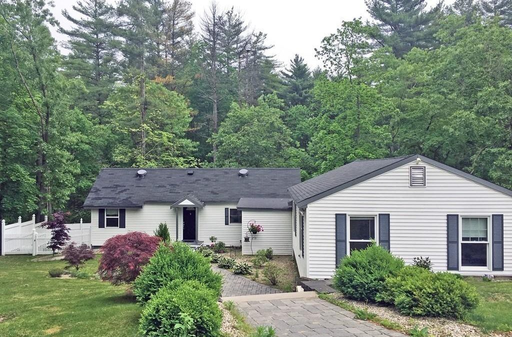 Single Family – 11 Mount Paul Rd Tyngsborough, MA 01879