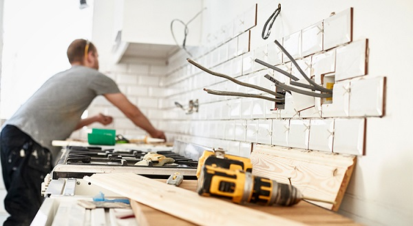 Should You Fix Your House Up or Sell Now?